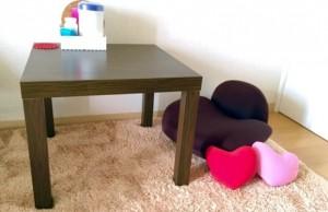 机とクッション